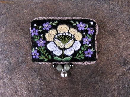 24_moonlight_purple_brooch