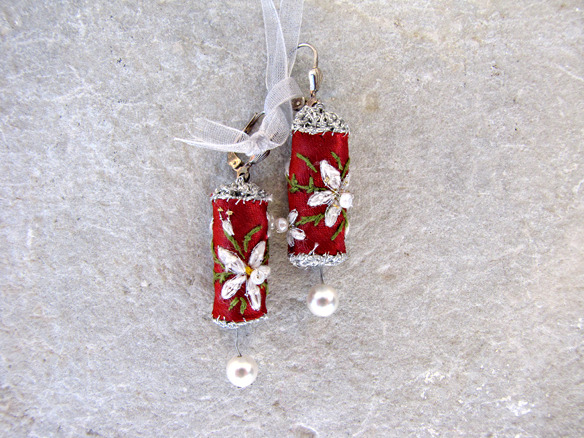 24_moonlight_red_earrings