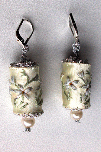 24_wedding_white_earrings
